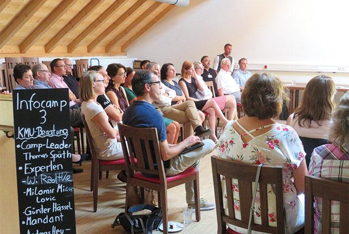 In insgesamt vier sogenannten InfoCamps haben die Teilnehmer in Kleingruppen die zentralen Themen des Berufsstandes diskutiert und weiterentwickelt.