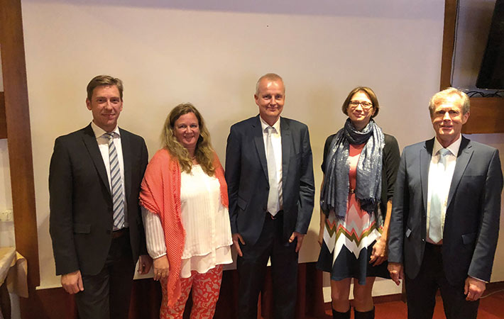 (v. l. n. r.) Holger Lustig, Dr. Jutta Fischer-Neuner, Dietmar Daubitz, Ivonne Bischoff, Anton Bink