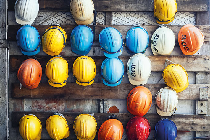 Nicht an den Nagel hängen – Arbeitssicherheit betrifft alle  Berufsgruppen.