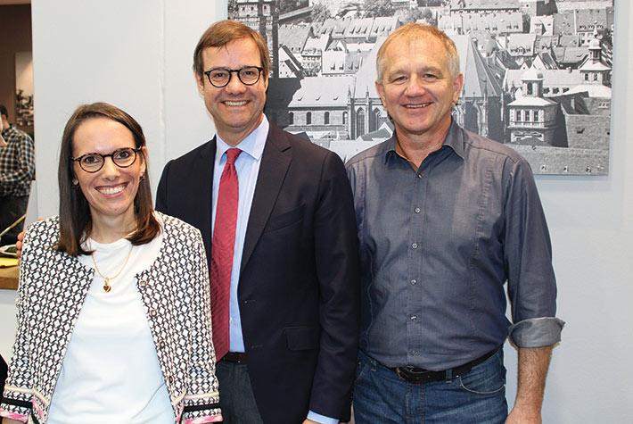 (v. l. n. r.) Daniela Zehentbauer, Prof. Martin Halle und Dieter Pfab