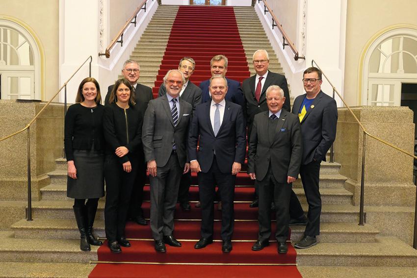 Dr. Heubisch wird VFB-Ehrenpräsident