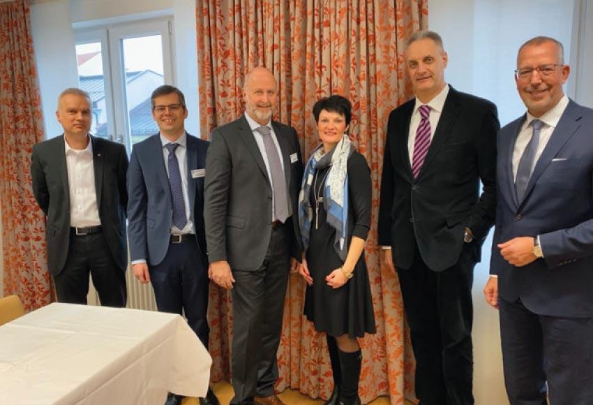 v. l. n. r.: Dr. Martin Trost, Christian Berger, Wolfgang Beeg, Pamela Baierl, Raimund Mader, Dr. Peter Leidel