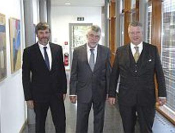 Pfaffenhofen: Steuerberater treffen Finanzamt