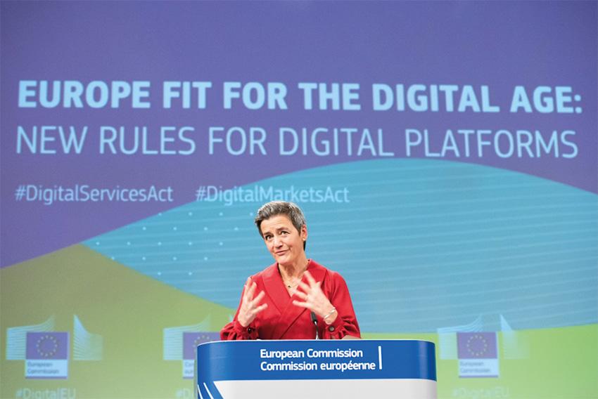 Vizepräsidentin und EU-Kommissarin für Digitales, Margrethe Vestager, bei der Vorstellung des Entwurfs des Gesetzes über digitale Dienste