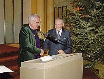 Dr. Peter Küffner erhält Ehrenmedaille