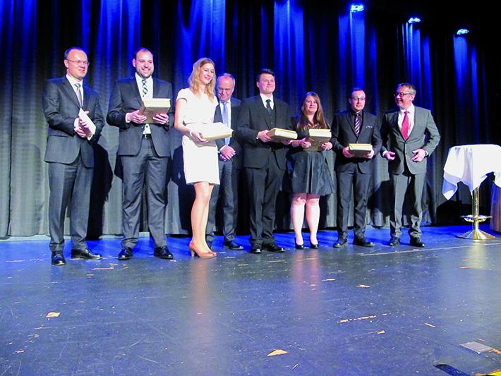 Auf der Abschlussfeier: Verleihung des Meisterpreises sowie der Auszeichnungen für die besten Absolventen.