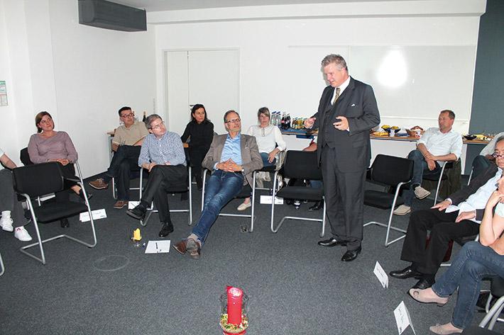 LSWB-Schatzmeister Andreas L. Huber begrüßt die Club-Gäste.
