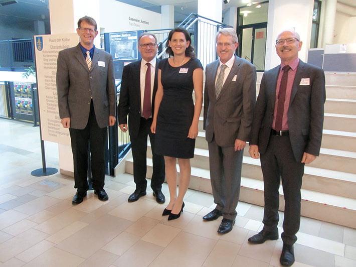 Nach dem Klimagespräch (v. l.): Helmut Maier, Paul Kokott, Michaela Haider, Josef Mayr und Alfred Stelzl.