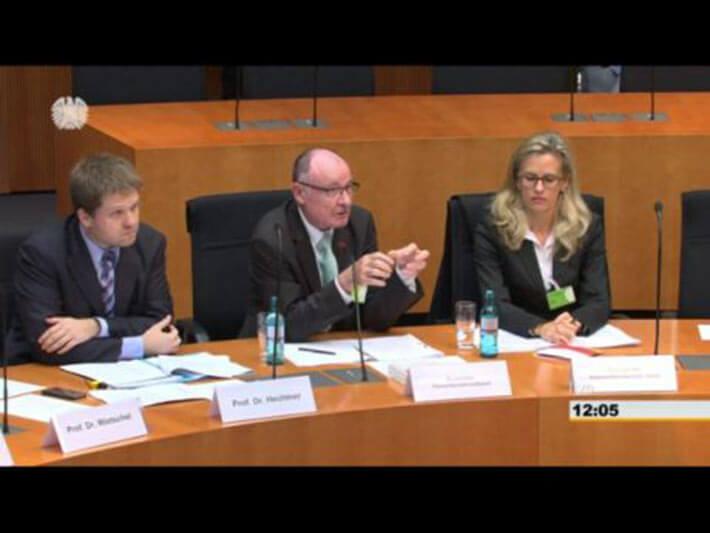 Klar spricht vor Bundestagsausschuss